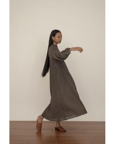 Aela Dress in Deep Grey