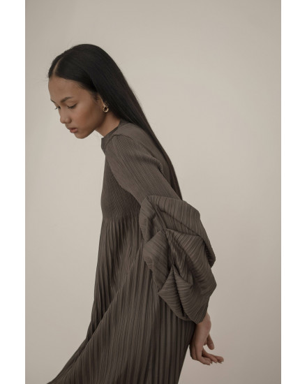 Aela Dress in Deep Grey - PREORDER