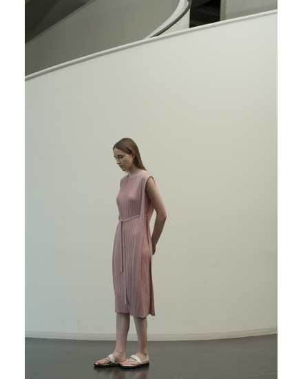 Malone Dress in Dust Pink